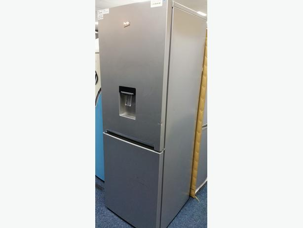 **GRADED** SILVER BEKO FRIDGE FREEZER WITH DRINKS DISPENSER + 12 MONTH WARRANTY