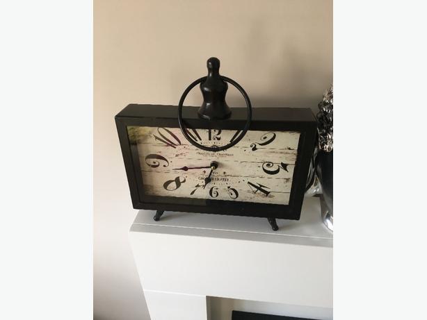 decorative square clock