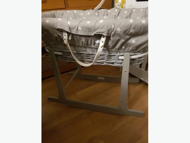 grey moses basket and rocker stand