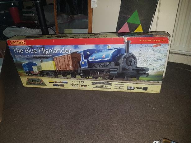 blue highlander hornby train set