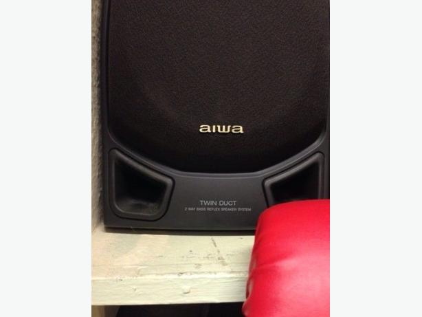 Pair of Aiwa Hifi Stereo Speakers  Good Condition Can Deliver Locally for £5