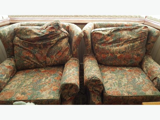 FREE: 3 piece suite, sofa and 2 arm chairs