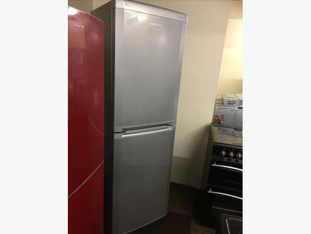TALL SILVER BEKO FRIDGE FREEZER GOOD CONDITION🌎🌎PLANET APPLIANCE🌎🌎