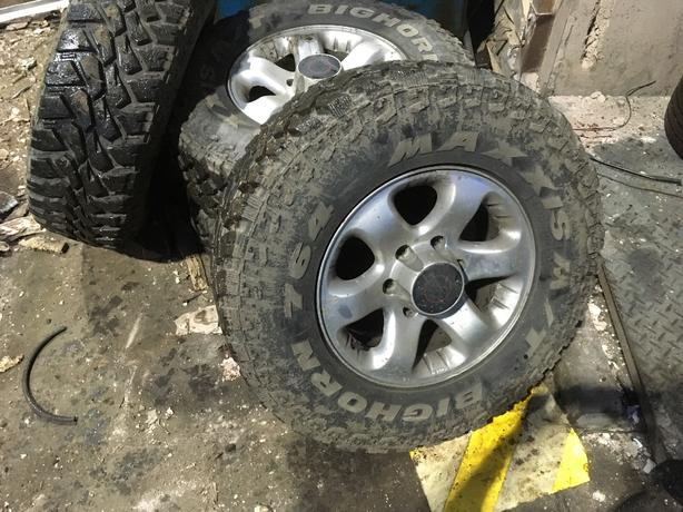 bighorn maxxis off road tyres and alloys 5stud