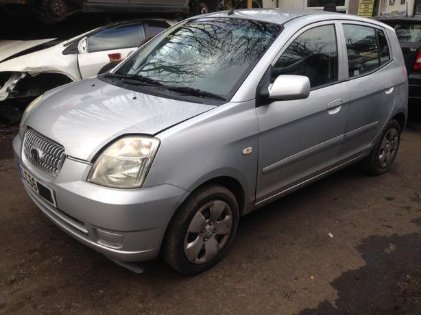 kia picanto Lx 1.1 petrol silver 2006 breaking for spares