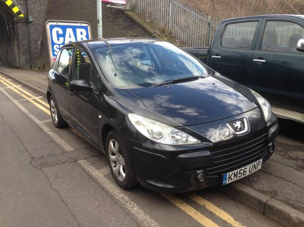 Peugeot 307 S 1.6 petrol black 2006 breaking for spares