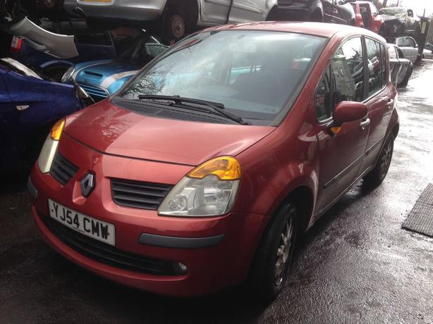 renault modus 1.4 petrol red 2005 breaking for spares