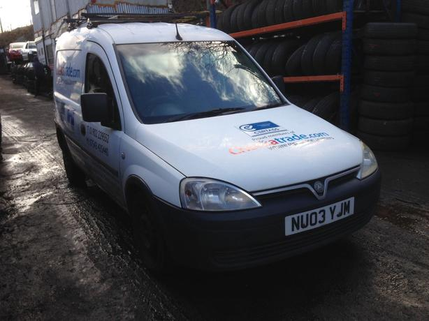 vauxhall combo 1.7 diesel white 2003 breaking for spares