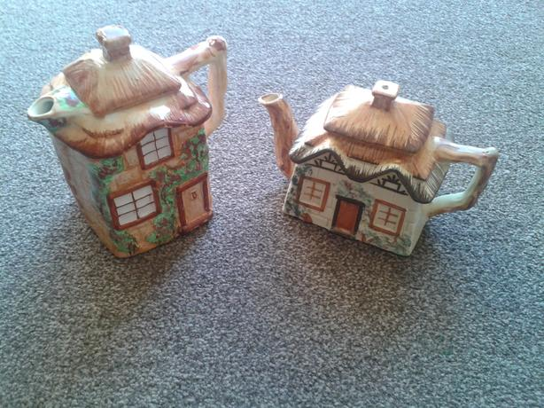 Westminster Pottery/Keele St. Pottery Cottage Ware.