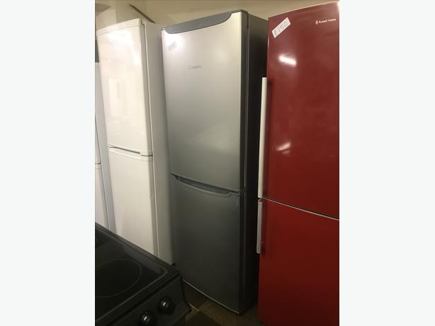 GRAPHITE COLOURED FRIDGE FREEZER IN EXCELLENT CONDITION 🇬🇧🇬🇧🌎🌎🇬🇧🇬🇧