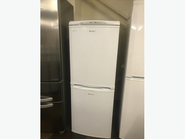 MEDIUM HOTPOINT FRIDGE FREEZER HALF N HALF WITH GUARANTEE 🇬🇧🇬🇧🌎🌎