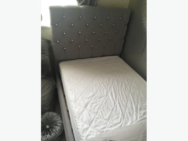 single diamonte bed