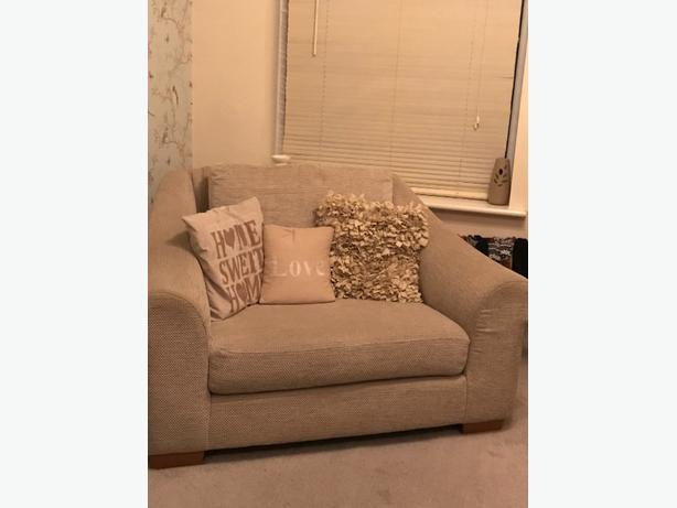 love seat / cuddle chair