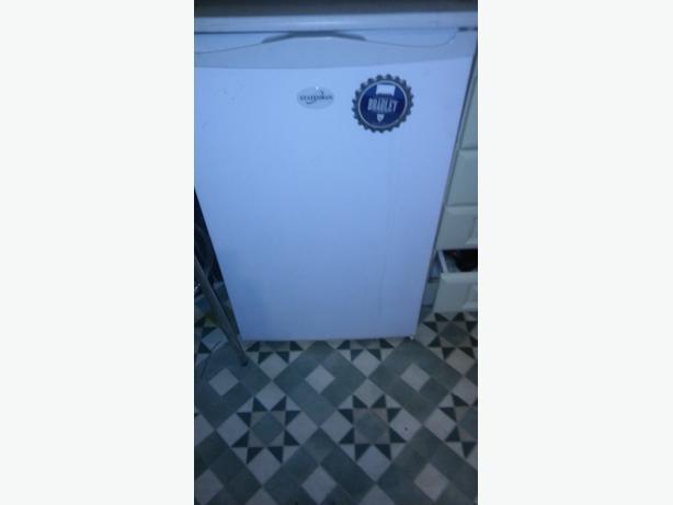 Dishwasher & fridge freezer