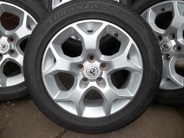 VAUXHALL 16in SNOWFLAKE ALLOYS GOOD TYRES SET