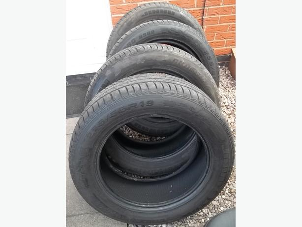 4 MATCHING TYRES 255 55 19 Extra Load 2016