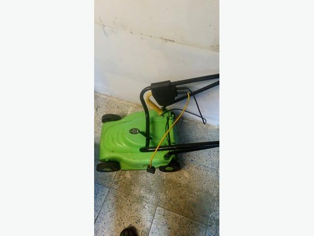 hedge trimmers strimmer and lawn mower