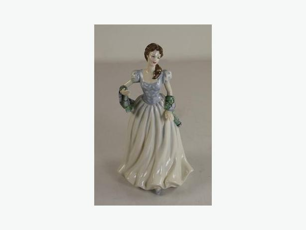 Royal Doulton Figurine - Flower of Scotland HN4240