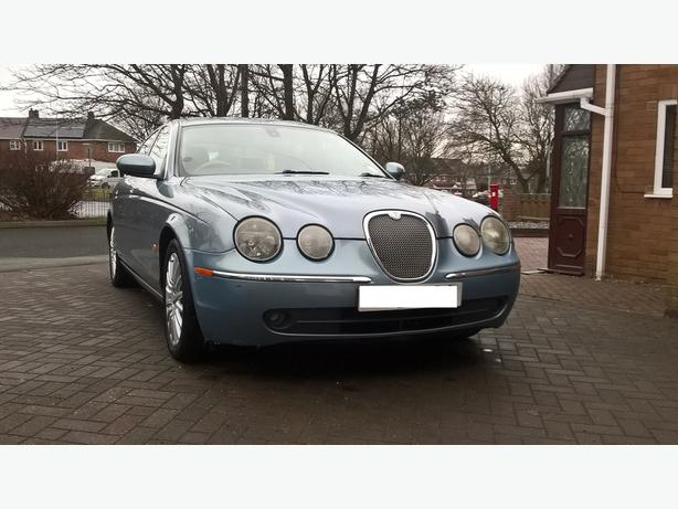 2004 Jaguar S Type SE with the 2.5 petrol £1495.00