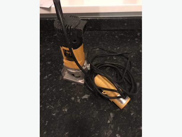 DEWALT TRIMMER/ROUTER