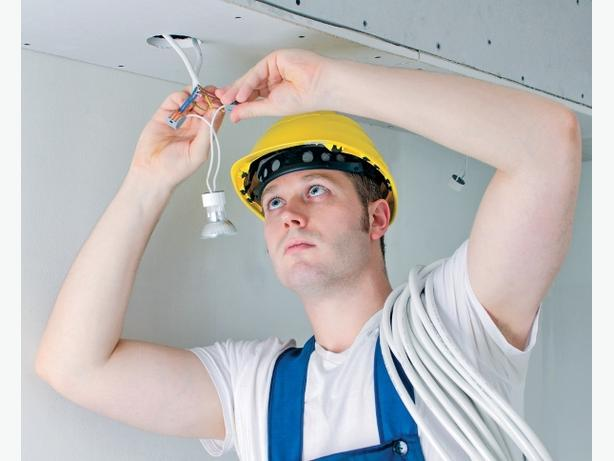 """Qualified electrician available (29yrs experience)  """"own tools"""""""