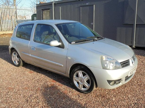 Renault Clio 1.2 Campus Sport I-Music 3dr HPI CLEAR