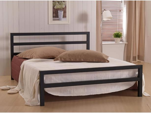 Metal frame double bed solid & sturdy double bed going cheap