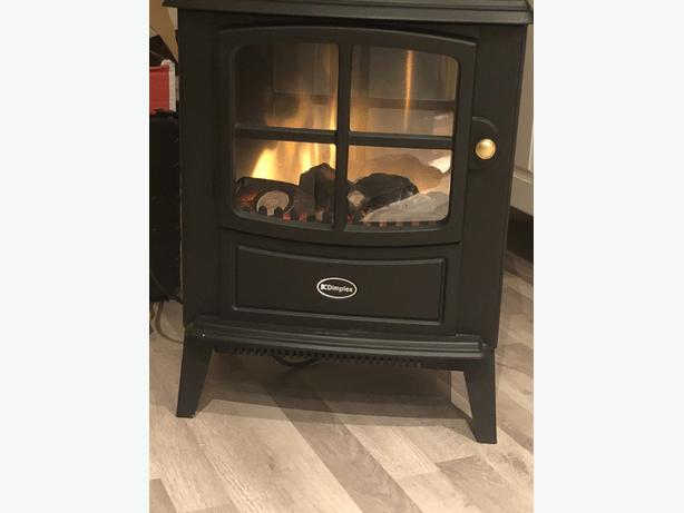 DIMPLEX BRAYFORD ELECTRIC STOVE IN BLACK