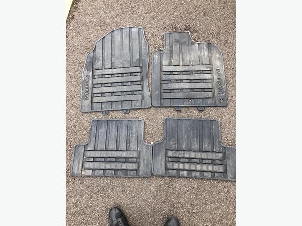 genuine Nissan rubber mats