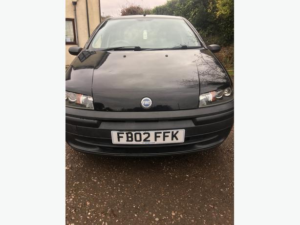 Fiat punto. 12 m mot, in black ex condtion 07821256809