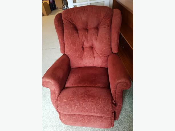 SHERBORNE RISER & RECLINER ELECTRIC ARMCHAIR. PERFECT