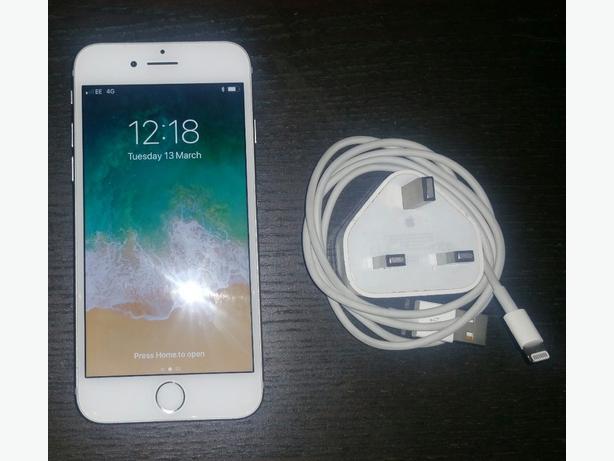 Iphone 7, 32gb. Silver Unlocked. Still Under Apple Warranty. £280
