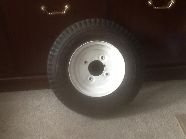 Trailer wheel and tyre