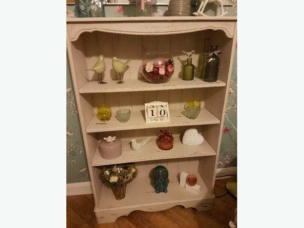 Shabby chic vintage pine shelves bookcase