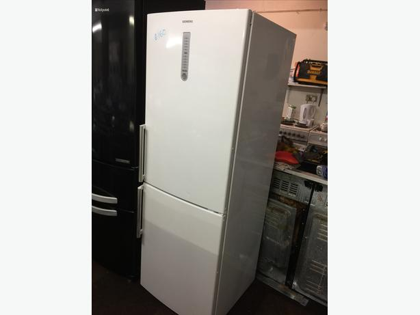 SEIMENS FRIDGE FREEZER VERY GOOD CONDITION🌎🌎PLANET APPLIANCE🌎🌎
