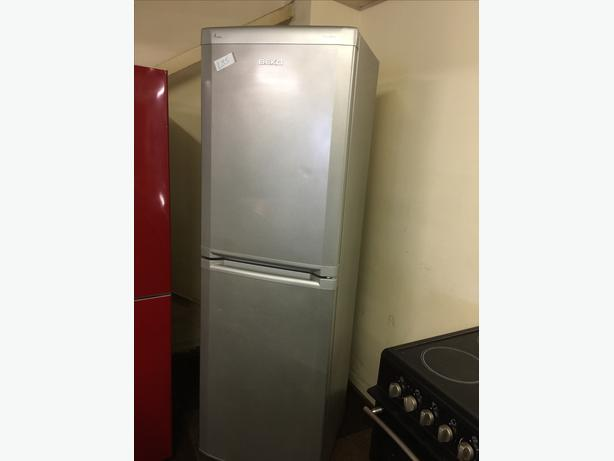 SILVER BEKO FROST FREE FRIDGE FREEZER GOOD CONDITION🌎🌎PLANET APPLIANCE🌎🌎