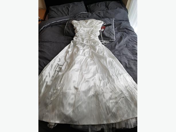 Prom/Wedding Dress by  JUJU & CHRISTINE Size 12/14