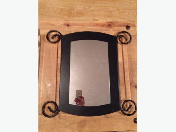 LOVELY GOTHIC STYLE MIRROR