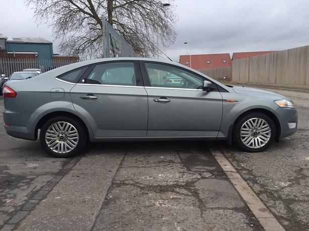 Ford Mondeo 2.0 TDCi 140 Ghia hatch with FSH !