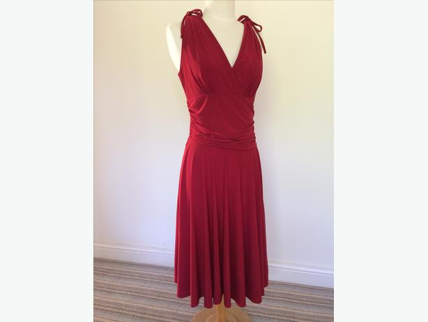 Red dress size 14 92% polyester 8% elastane