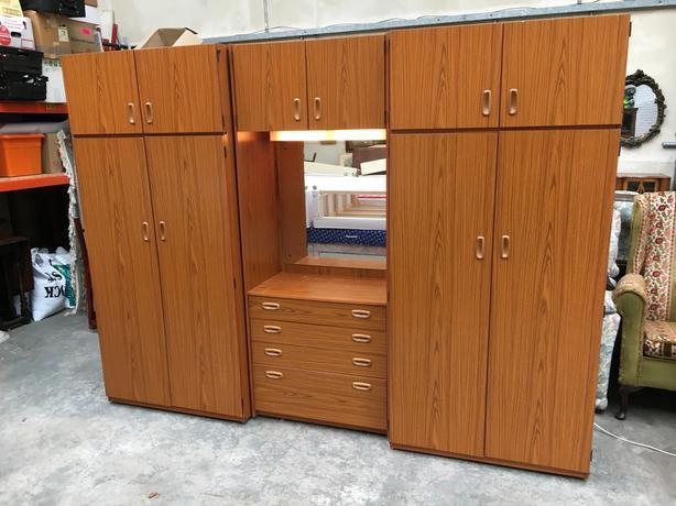 39 Schreiber 39 Triple Bedroom Wardrobe Set In Good Condition Can Deliver Brierley Hill Wolverhampton