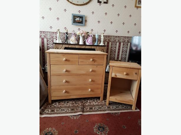FREE: chest of drawers and bedside cabinet