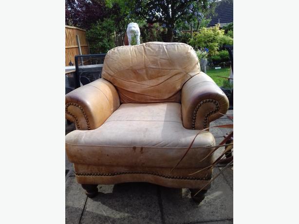 FREE: sofa & 2 x arm chair