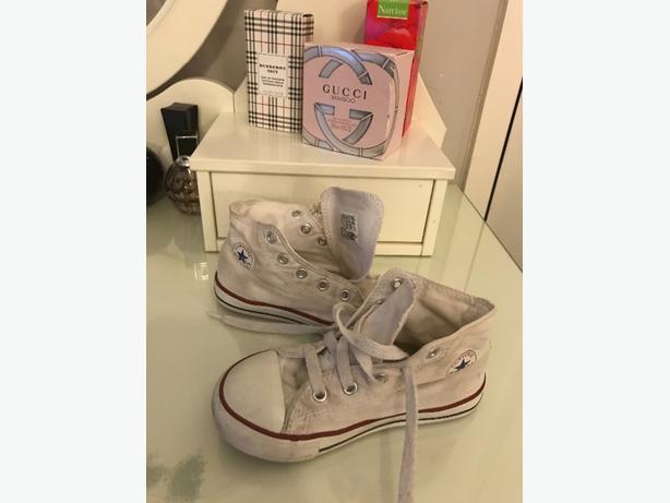 Giris Converse Boots Size 9
