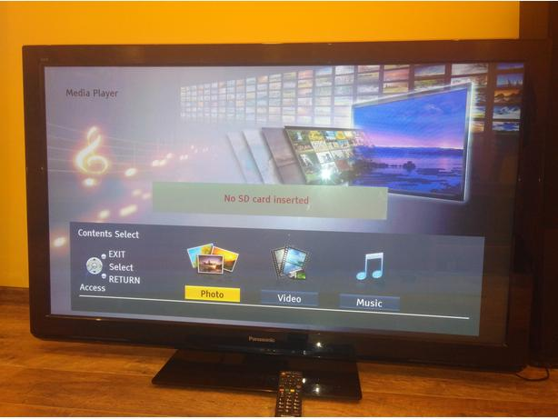 Panasonic 50 inch FullHD 600Hz TV with SD slot and Freeview HD