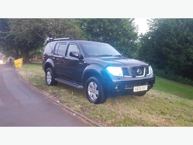 Nissan Pathfinder Lovely Spec Fully Loaded 7 Seater 4x4