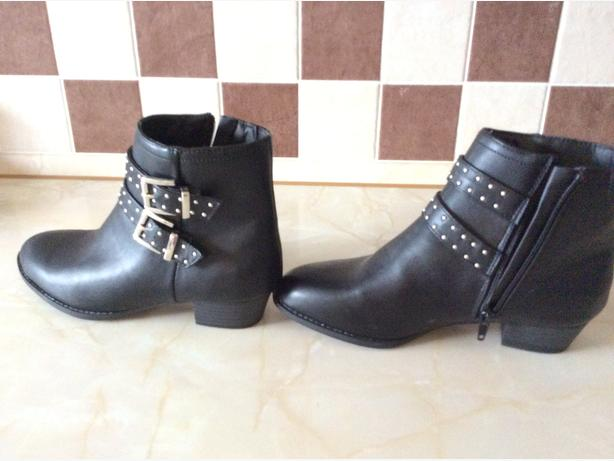 New M & S leather boots size 7