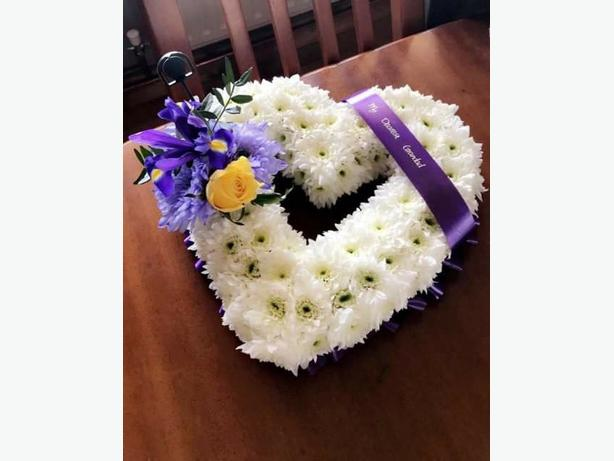 FRESH FLORAL FUNERAL WREATHS