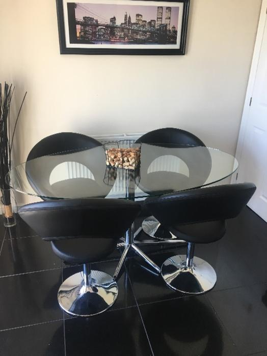 100 Dwell Glass Dining Table And 4 Chairs