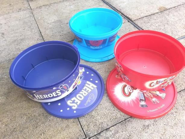 FREE: plastic tubs